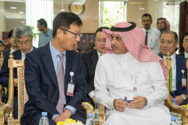 Samsung Engineering President & CEO, SUNGAN CHOI and SABIC (Saudi Basic Industries Corporation) Executive Vice President Petrochemicals ABDULRAHMAN AL-FAGEEH in conversation